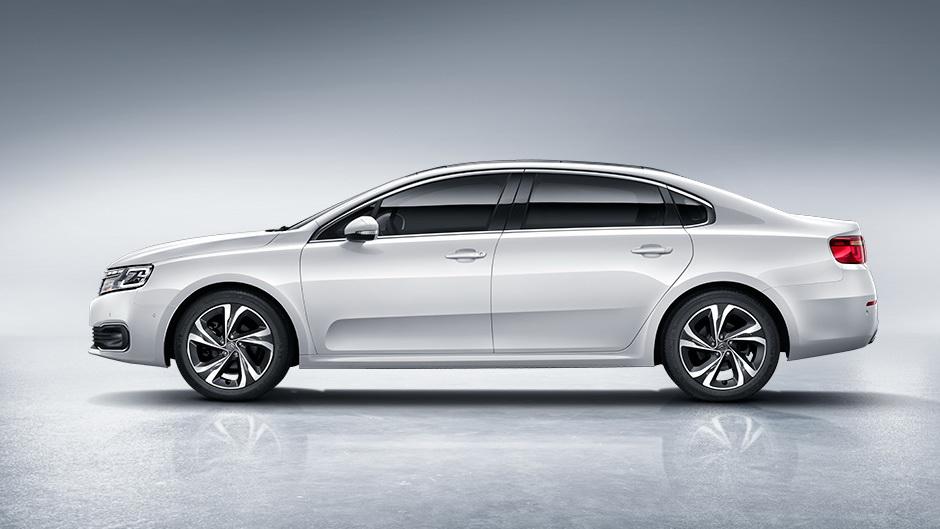 438 Citroёn и Peugeot стартуют в Китае с новыми седанами