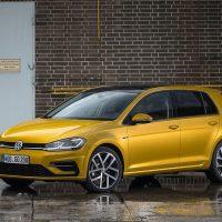Обзор автомобиля Volkswagen Golf 2017-2018