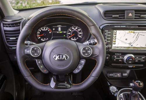 Обзор автомобиля Kia Soul 2017-2018
