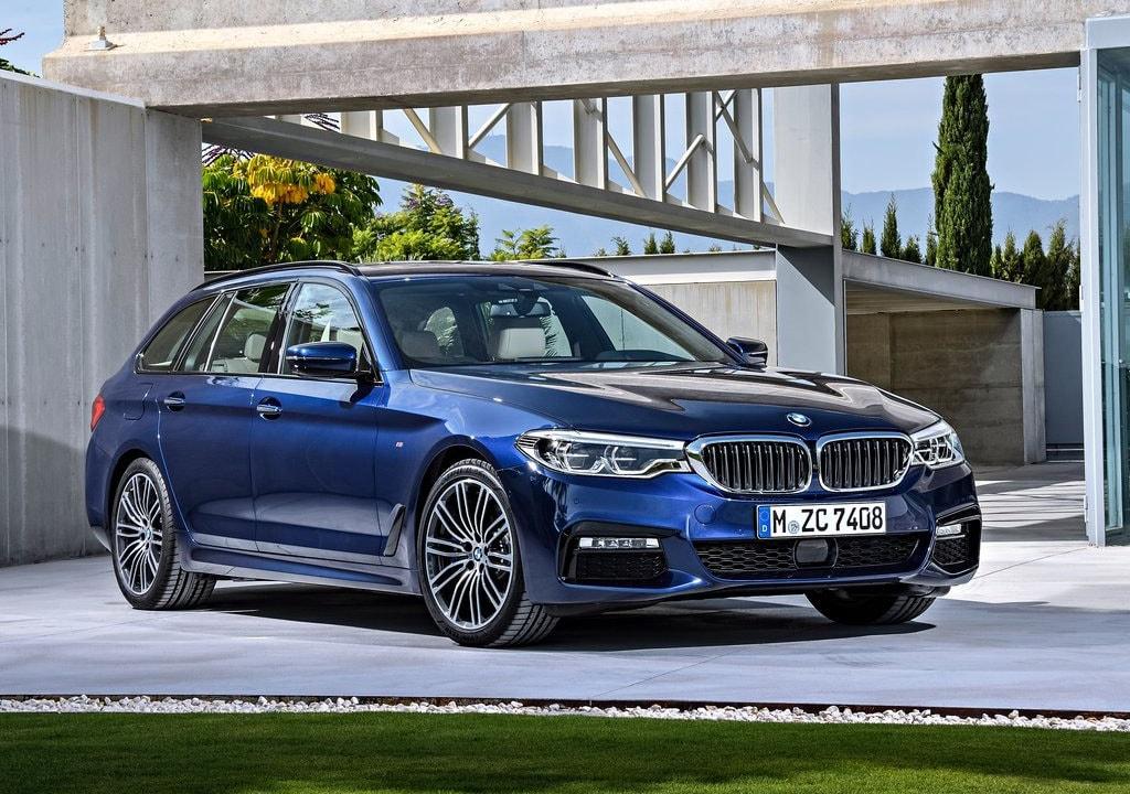 16796 Обзор автомобиля BMW 5-Series Touring 2017-2018