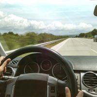 17368 Чётко видим, безопасно водим: Подбираем правильные очки для вождения