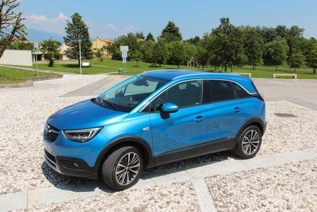 17705 Opel Crossland X. Мал мала меньше. Opel Crossland X
