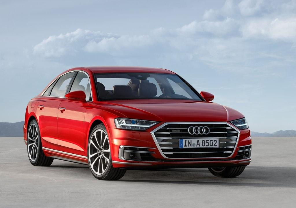17980 Обзор автомобиля Audi A8 2018 года