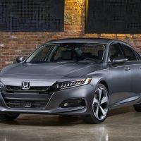 18006 Обзор автомобиля Honda Accord 2018 года