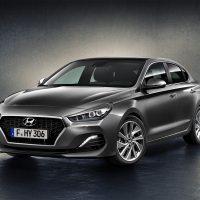 18050 Обзор автомобиля Hyundai i30 Fastback 2018