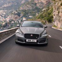Обзор автомобиля Jaguar XJR575 2018-2019