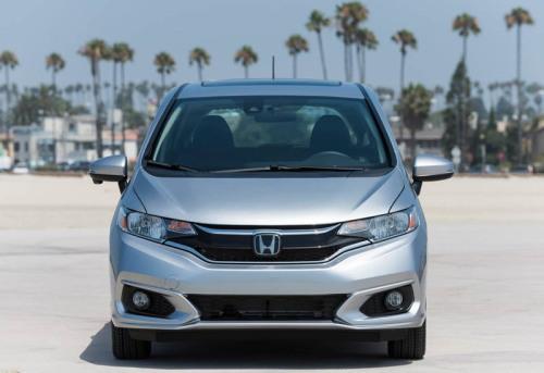 Обзор автомобиля Honda Fit 2018 года