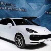 18533 Обзор автомобиля Porsche Cayenne Turbo 2018