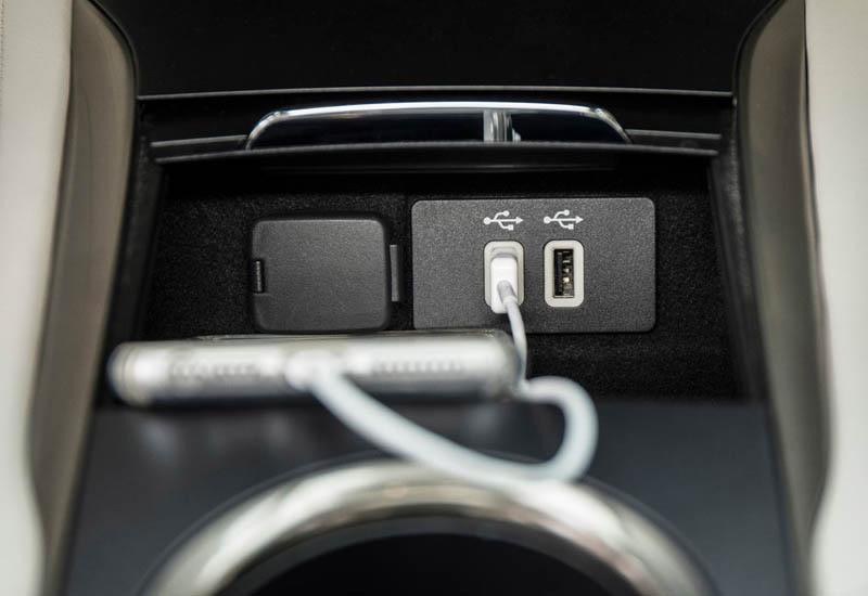 Обзор автомобиля Lincoln MKC 2019 года