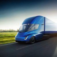 Новинки Tesla: электрический грузовик Semi и суперкар Roadster