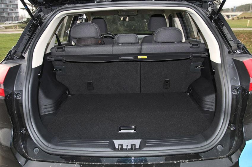 Обзор автомобиля Geely Atlas 2018 – 2019 года