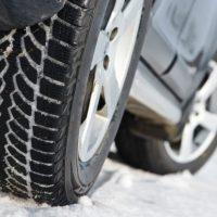Экстренное торможение на асфальте зимой. Что лучше липучка или шип?