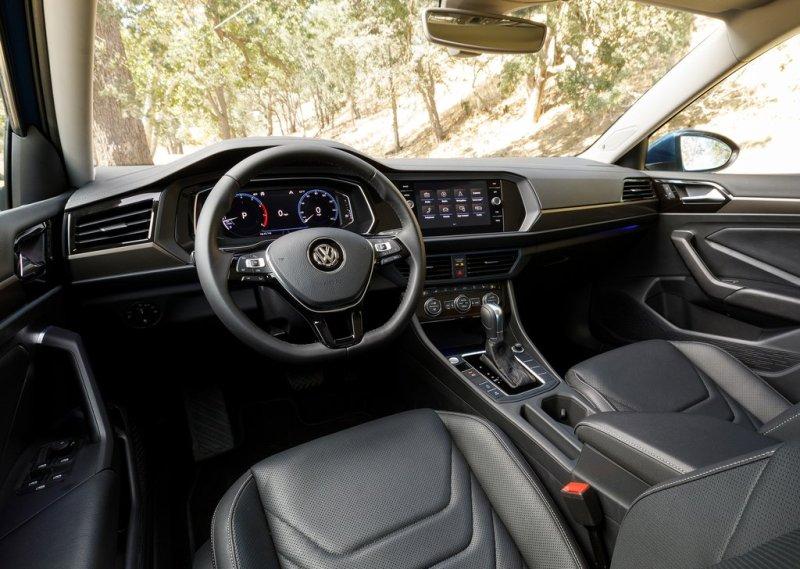 Обзор автомобиля Volkswagen Jetta 2018 – 2019