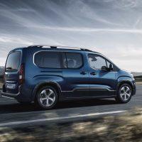 20165 Обзор автомобиля Peugeot Rifter 2019 года