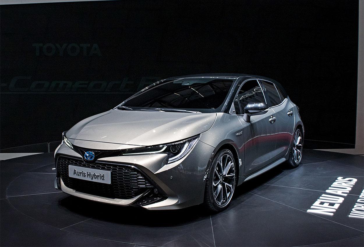 20393 Обзор автомобиля Toyota Auris 2019