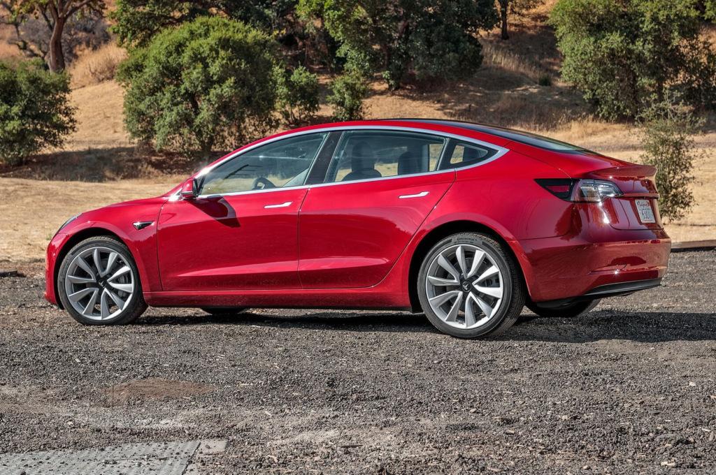 20358 Видеоэксперимент: сколько проедет полностью разряженная Tesla Model 3?