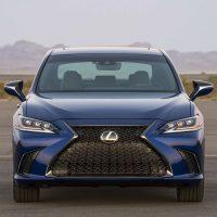 Обзор автомобиля Lexus ES 2019