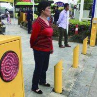 20724 Китайские власти придумали, как опозорить пешеходов-нарушителей
