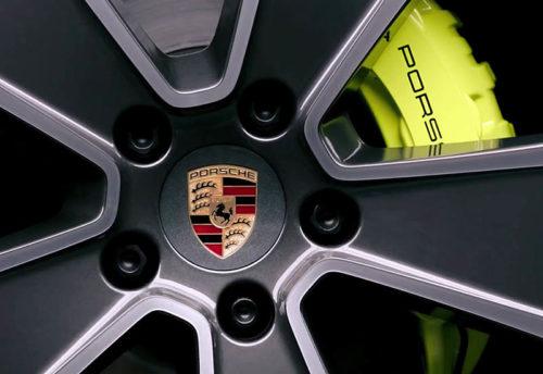 Обзор автомобиля Porsche Cayenne E-Hybrid 2018