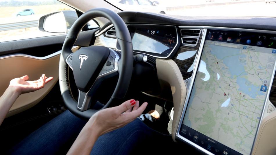 У Tesla Model 3 нашли проблему с тормозами