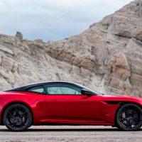 Обзор автомобиля Aston Martin DBS Superleggera 2018 - 2019