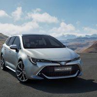 21654 Описание автомобиля Toyota Corolla Touring Sports 2018 - 2019