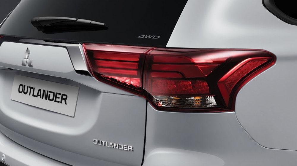 Описание автомобиля Mitsubishi Outlander 2019