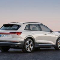 Описание автомобиля Audi E-Tron 2019 - 2020