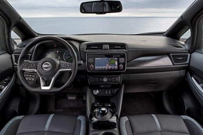 21941 Управляем электрокаром Nissan Leaf при помощи одной педали. Nissan Leaf