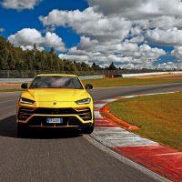 22226 Быстрее ветра. Lamborghini Urus