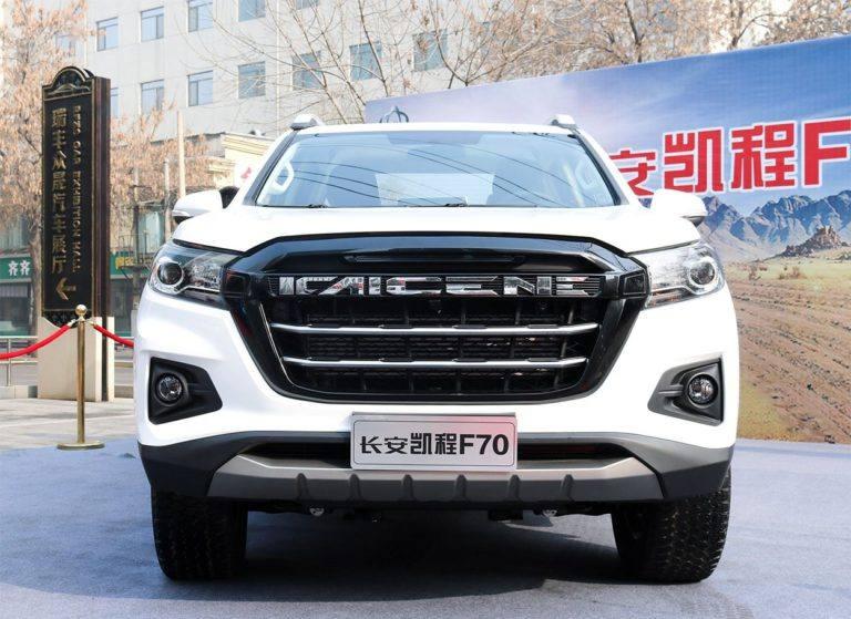 Описание автомобиля Changan F70 2019 – 2020