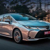 22988 Отмечаем умеренность прогресса в седане Toyota Corolla. Toyota Corolla Sedan