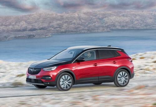 Описание автомобиля Opel Grandland X Hybrid4 2019 – 2020