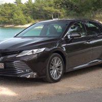 23062 Toyota Camry Hybrid: меньше расход и больше динамики. Toyota Camry Hybrid