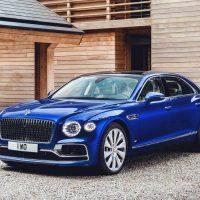 Описание автомобиля Bentley Flying Spur 2020