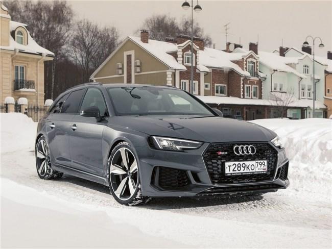 23775 Уроки самообладания вот спортивного универсала. Audi RS4 Avant