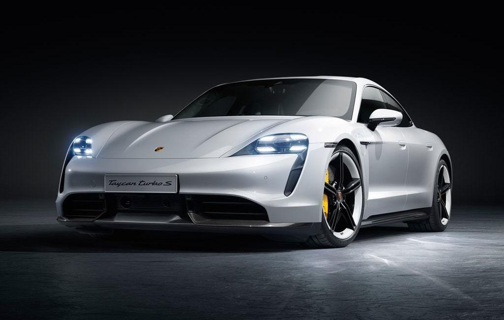 Описание автомобиля Porsche Taycan 2020
