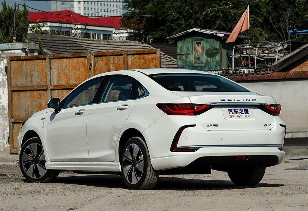 Описание автомобиля Beijing EU7
