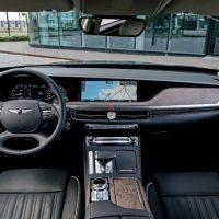 24013 Фиксируем сугубо внешнюю смену имиджа седаном. Hyundai Genesis G90