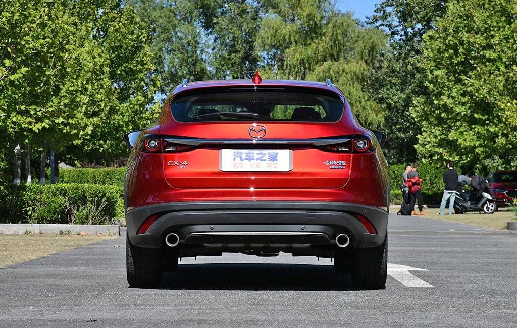 Описание автомобиля Mazda CX-4 2019 – 2020