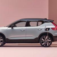 24442 Описание автомобиля Volvo XC40 Recharge 2020