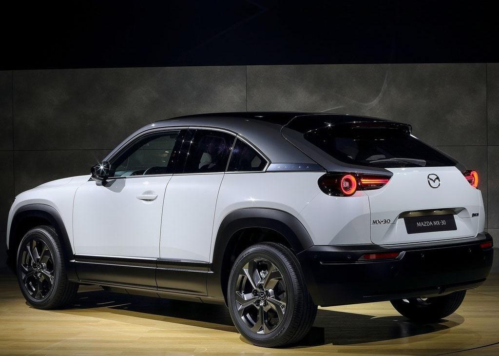 Описание автомобиля Mazda MX-30 2020