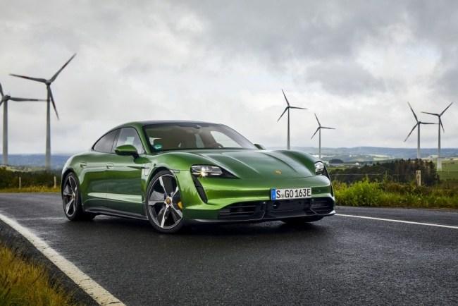 24554 Быстрый, злой, зеленый. Porsche Taycan