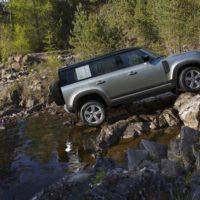 24580 Где рама и мосты?. Land Rover Defender 110