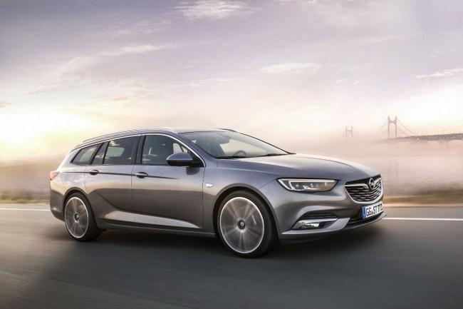 Новый внутри и снаружи. Opel Insignia Sports Tourer