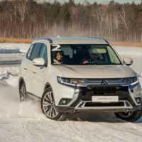 Тест-драйв Mitsubishi Outlander GT: ввинчиваемся в поворот