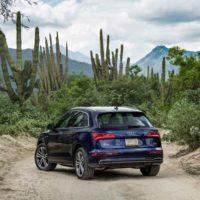 Удовлетворённо скучаем за рулём нового кроссовера Audi Q5. Audi Q5