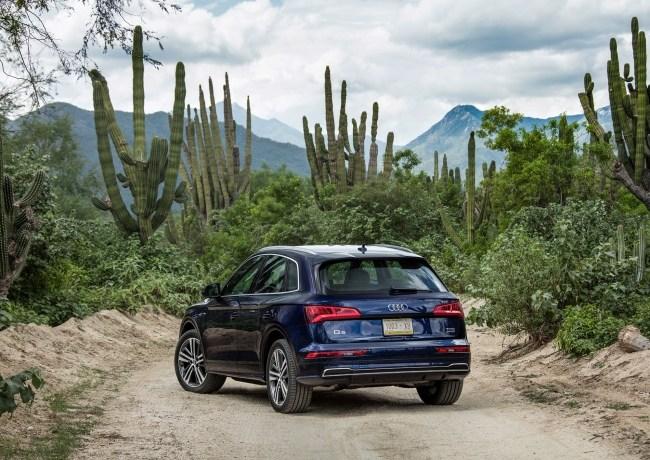 25302 Удовлетворённо скучаем за рулём нового кроссовера Audi Q5. Audi Q5