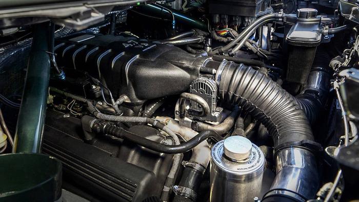 В Aston Martin Cygnet запихнули двигатель V8