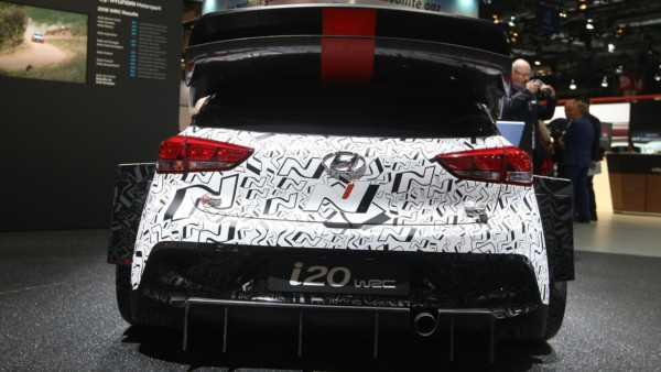 2017-hyundai-i20-wrc-paris-motor-show-3